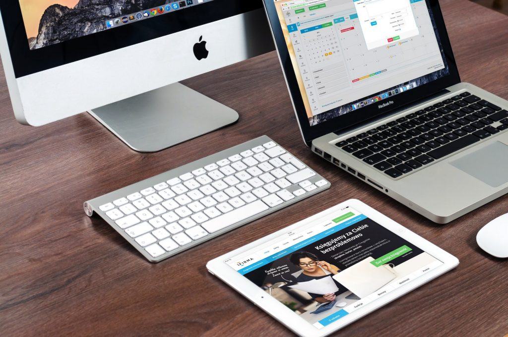 apple-desk-imac-39284